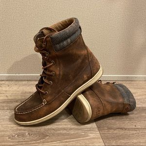 Women's Sperry Laced-Up Boot